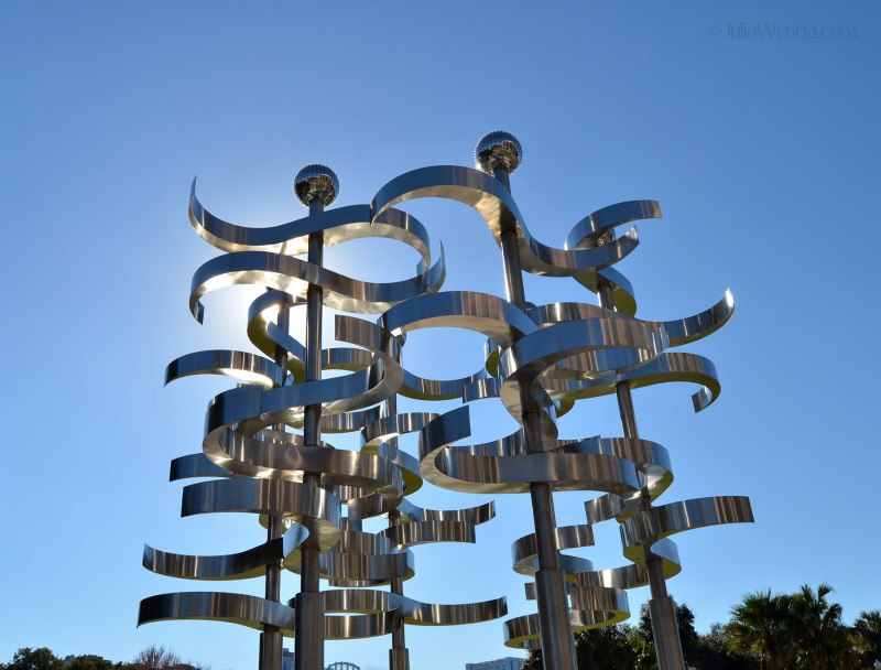 Union by Ralfonso Gschwend Metal sculpture in Lake Eola Park in Orlando, Florida