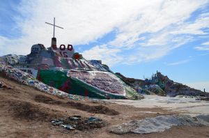 Salvation Mountain 02